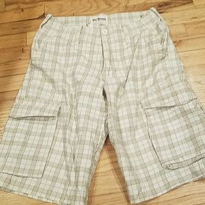 Urban pipeline plaid shorts